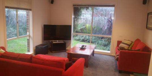 EDITHVALE – Modern two bedroom plus study free standing unit with enclosed backyard