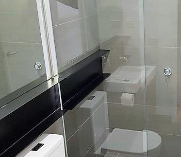 Bathroom Upstairs 1